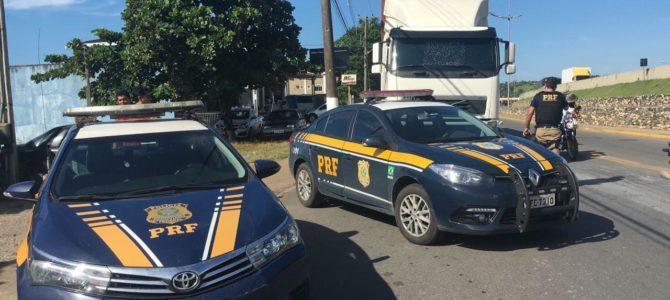 PRF retém grande evasor de pedágio da Régis